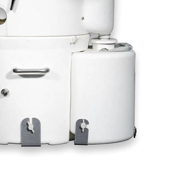 Air Head LB urine container detail